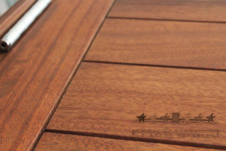Trabajos en puertas exteriores la buena estrella - Puertas de calle de madera ...